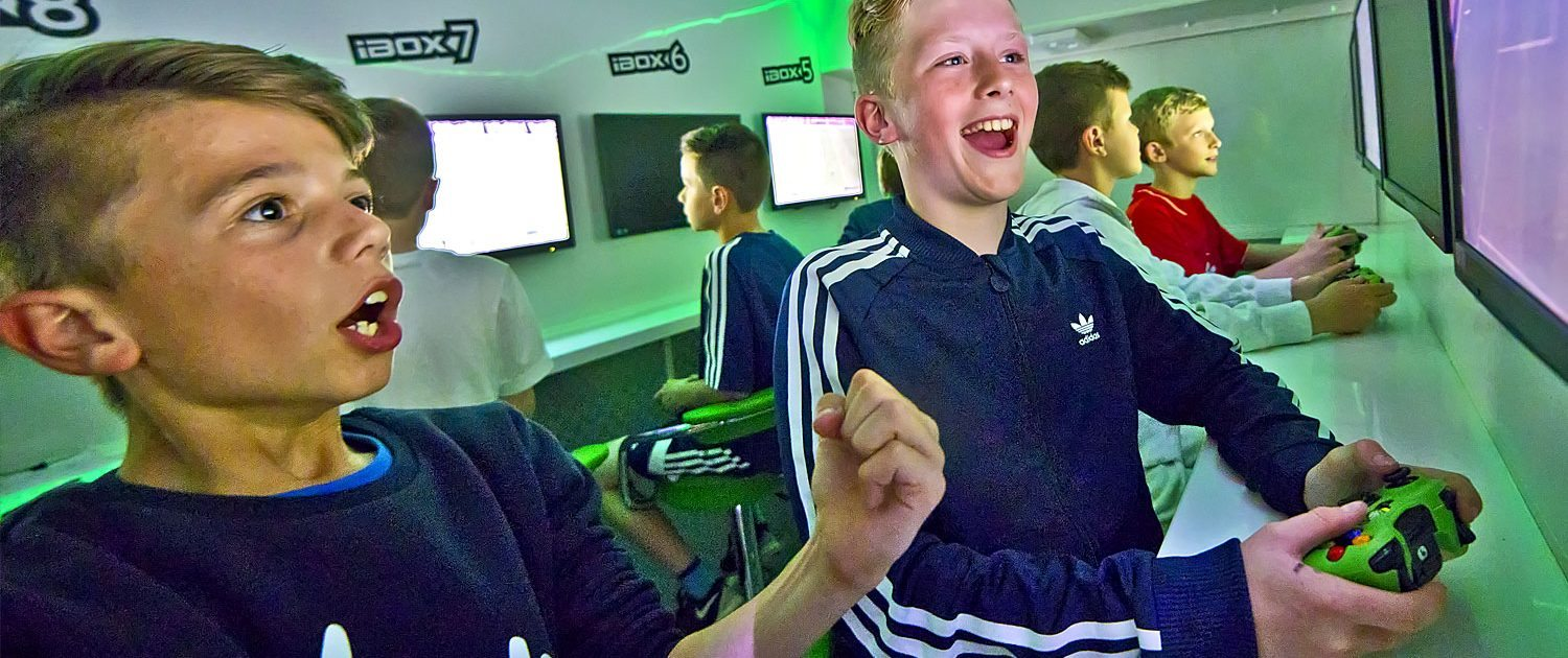 Childrens xbox party bus, Fifa party fun for boys birthdays