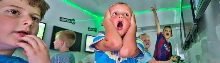 leeds kids party bus